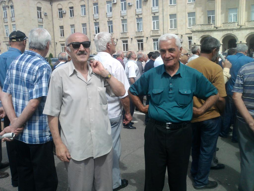 Участники митинга Нодар Сабанадзе и Зорбег Нацвлишвили