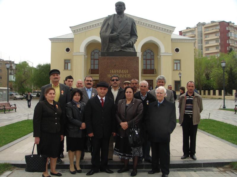 У памятника Нариманову (14)