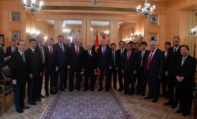 Новости КПРФ. Г.А. Зюганов провел встречу с Генеральным секретарем ЦК Коммунистической партии Вьетнама товарищем Нгуен Фу Чонгом