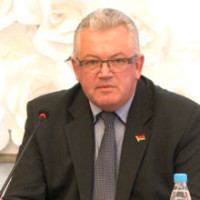 Posle-napadeniya-v-Stolbcakh-obyavlen-vygovor-ministru-obrazovaniya-220x220