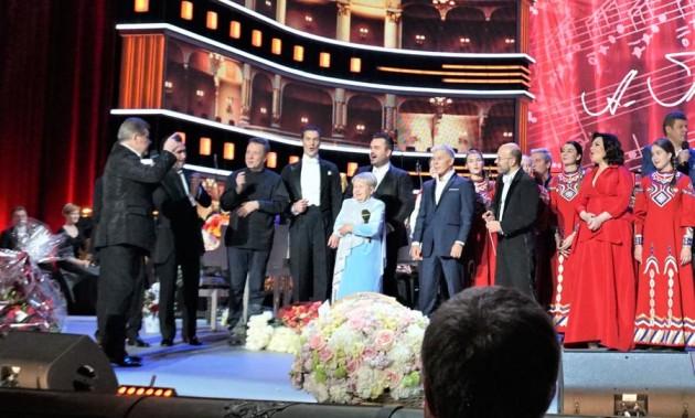 Новости КПРФ. Большой концерт великого композитора. Геннадий Зюганов посетил юбилейный вечер Александры Пахмутовой